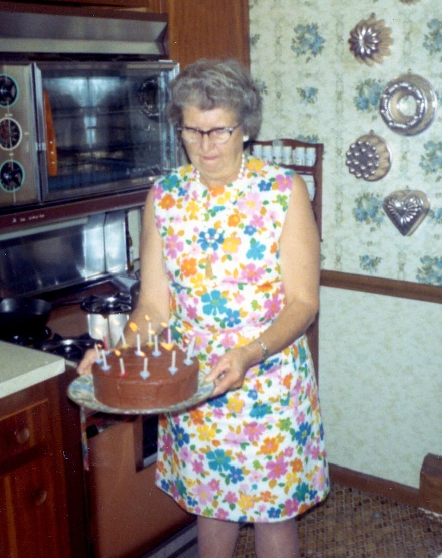 1971 oma cake
